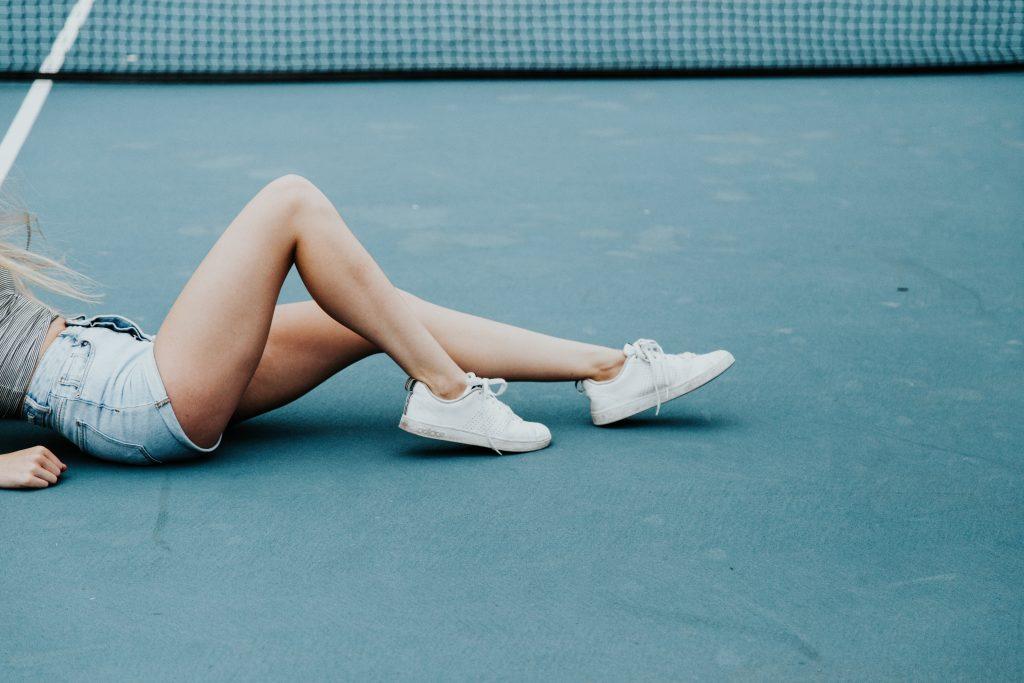 quitar estrías rojas piernas mujer